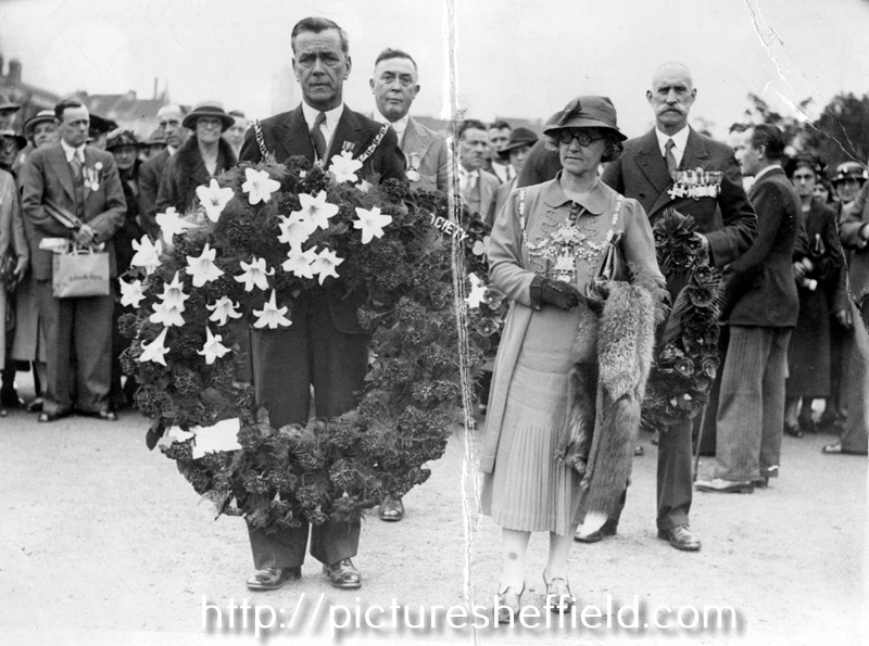 Lord Mayor E G Rowlinson and Lady Mayoress Kathleen Rowlinson during the Sheffield Pilgrimage to the French and Belgian Battlefields