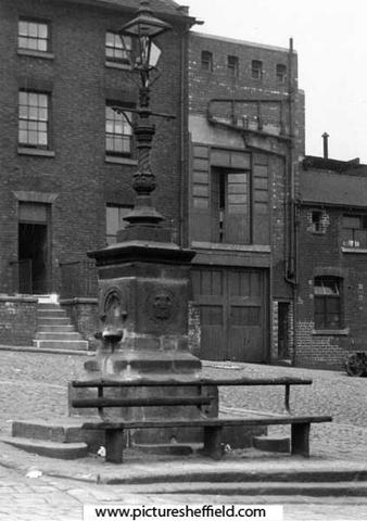 James Montgomery Memorial Fountain, Broad Lane