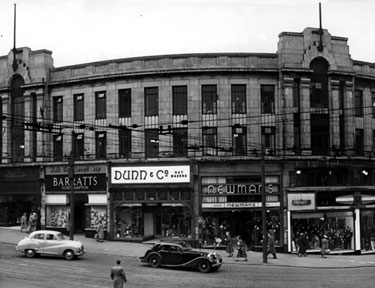 Nos 73-77, High Street. No 73, W. Barratt and Co. Ltd., Boot and Shoe Dealers, No 75, G.A. Dunn and Co. Ltd., Hatters, No 77, Newmans (Provincial) Ltd., Costumiers