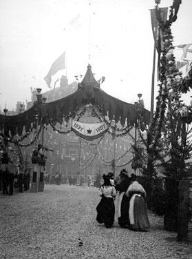 Decorations for Queen Victoria's visit, High Street looking towards Coles Corner