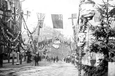 Decorations for Queen Victoria's visit, Looking up High Street towards Cole Brothers