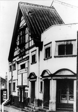 Heeley Green Picture House, Gleadless Road. Opened 5th April 1920. Used as a theatre in 1930s, reverting back to a cinema in 1938. Closed 7th March 1959. Reopened under the name of the Tudor on 3 April 1961. Finally closed 1962 and became a bingo hal