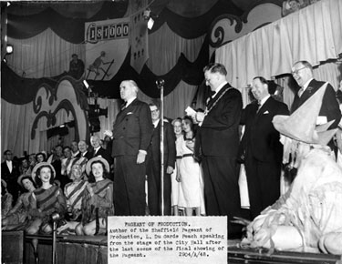 Pageant of Production, L. Du Garde Peach speaking at the final performance in the Oval Hall, at the City Hall