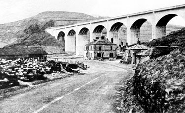 Construction of Ashopton Viaduct and Ladybower Reservoir, Ashopton Inn, Sheffield to Glossop Road, in foreground