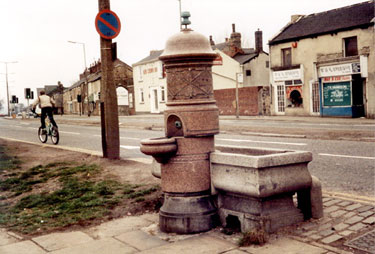Jeffcock Memorial Fountain and horse trough, Handsworth Road