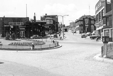 Broad Lane Roundabout from Tenter Street looking towards Broad Lane