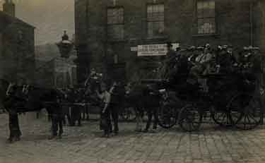 Horse drawn carriage belonging to Joseph Tomlinson and Sons on Moore Street